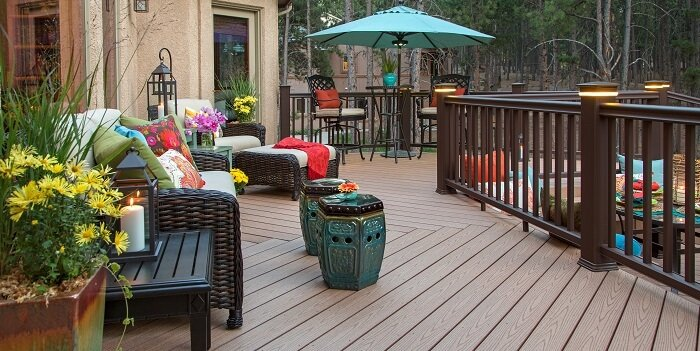beautifully decorated composite deck