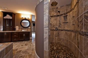 Floor level shower