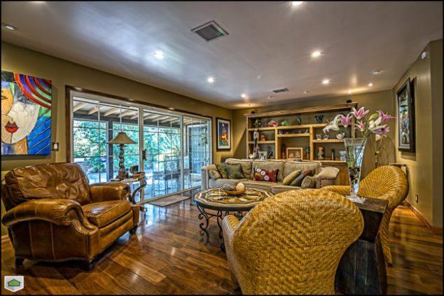 Living room/sunroom