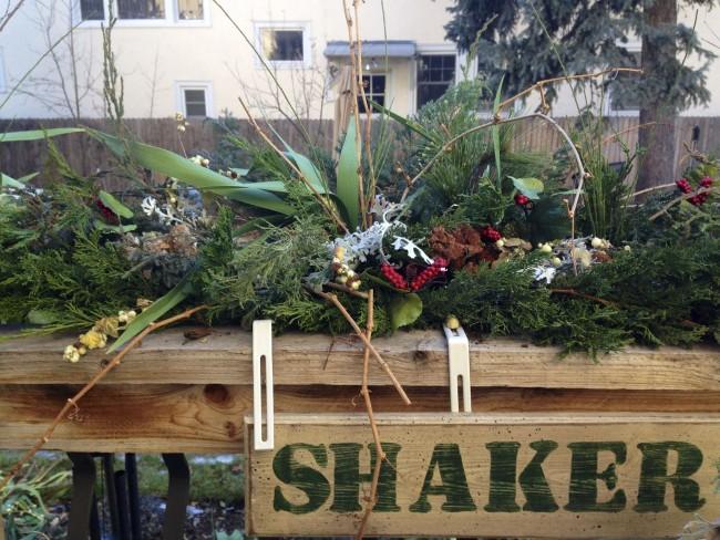 Arreglos de flores de invierno - Una floristería nueva, Moore OK