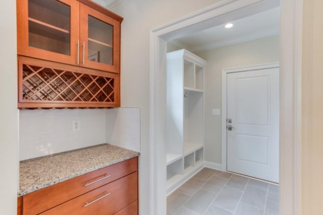 Mud room with shelving