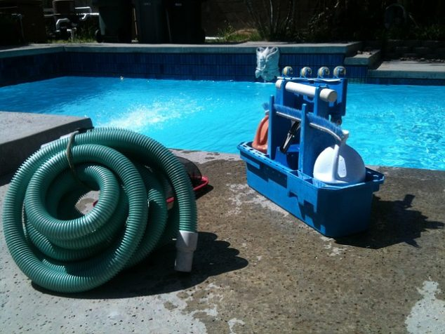 Swimming Pool Vacuums | Hands-Free Pool Cleaning