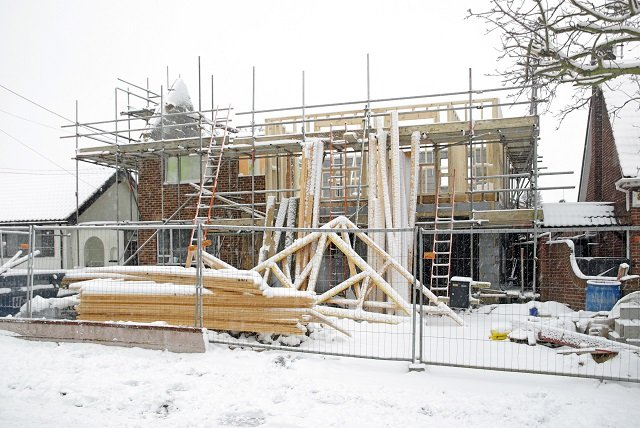 House alterations halted due to snowy winter weather conditions