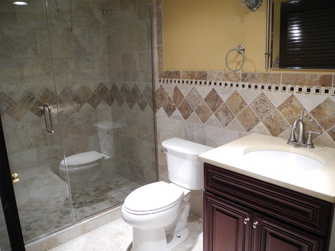 Small bathroom remodel repair guide homeadvisor for Bathroom remodel photos