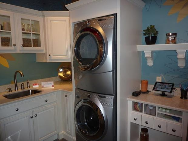 Stackable Washers & Dryers - Types, Pros & Cons | HomeAdvisor