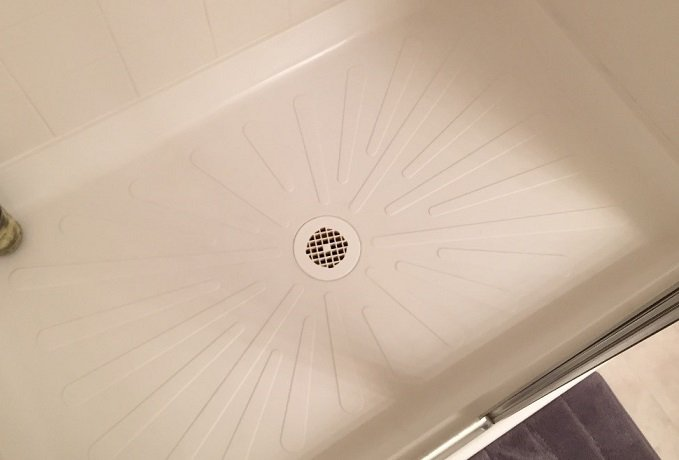 How to Repair a Fiberglass Tub & Shower Pan (chips, cracks, etc ...