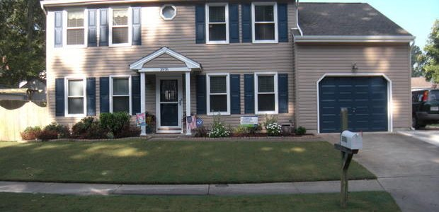 Vinyl Siding Pros Cons Amp How To Maintain Homeadvisor