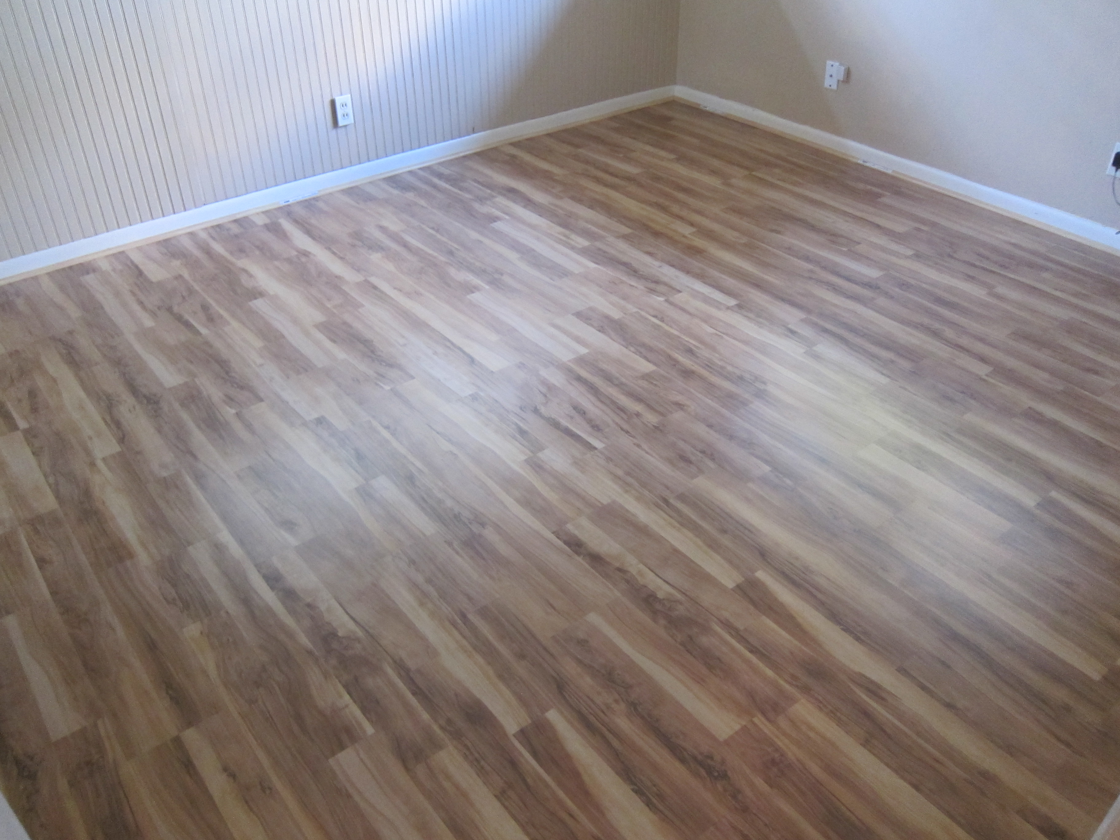 glueless laminate flooring install prep steps. Black Bedroom Furniture Sets. Home Design Ideas