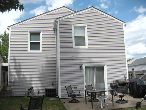 Vinyl siding cost guide options installation extras for Siding choices