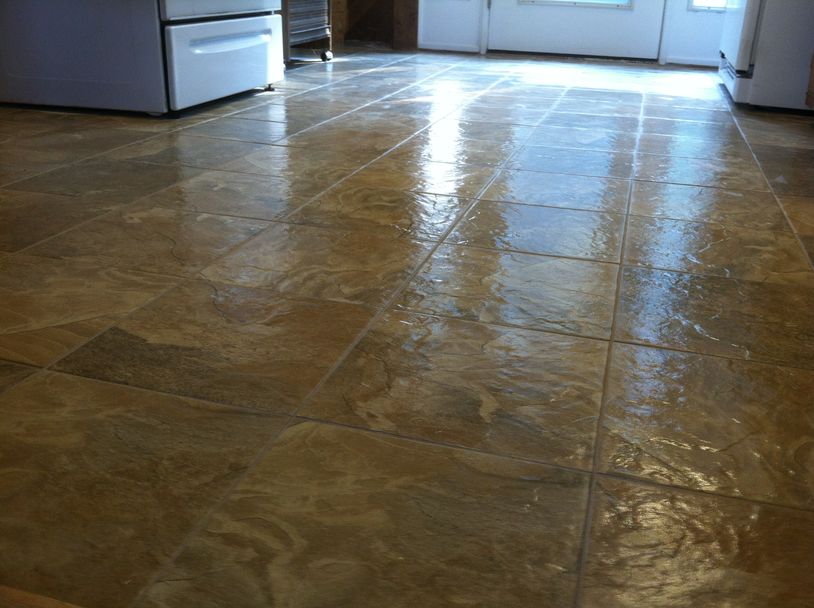 Installing linoleum flooring is it worth it homeadvisor for Vinyl tile over linoleum
