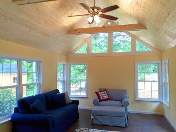 More so than other design features, the benefits and drawbacks of choosing vaulted  ceilings for your home are clear, immediate, and readily anticipated.