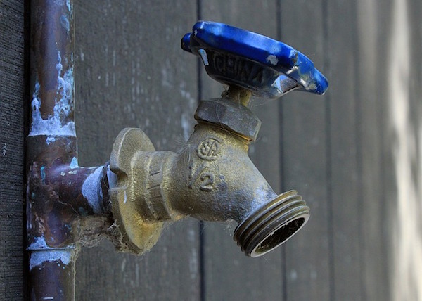 How To Repair A Leaky Faucet. The Compression Faucet Leak