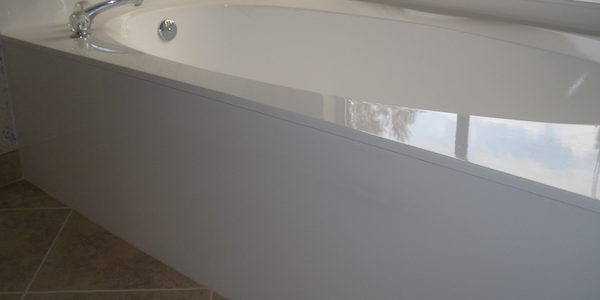 Charmant Bathtub Refinishing Is Often Marketed As A U201cdo It Yourselfu201d Project. The  Truth Is If You Want A Quality Refinishing Job That Lasts For Years And  Saves You ...