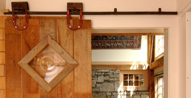 barn-doors-enteranceway