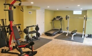 home gym with basic equipment