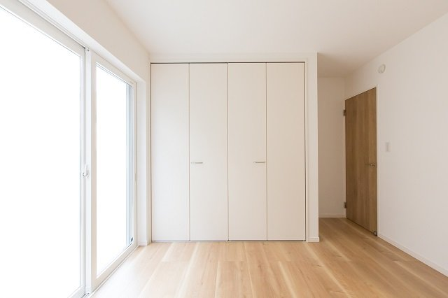How To Remove Closet Doors And Spruce Up Your Space
