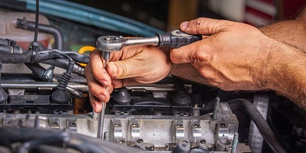 Diy home garage for car maintenance enthusiasts at every level making space for your diy car maintenance hobby solutioingenieria Gallery