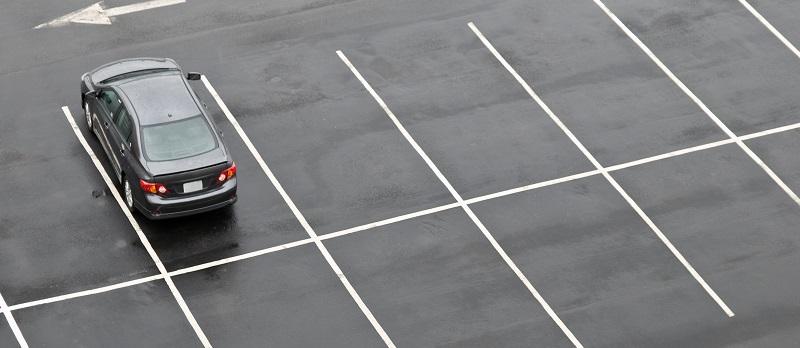 single car in empty sidewalk