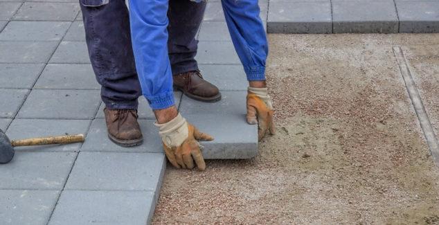 Concrete Contractors - How to Hire, Costs & Alternatives