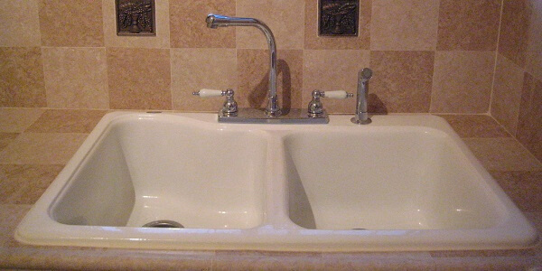traditional knob faucet