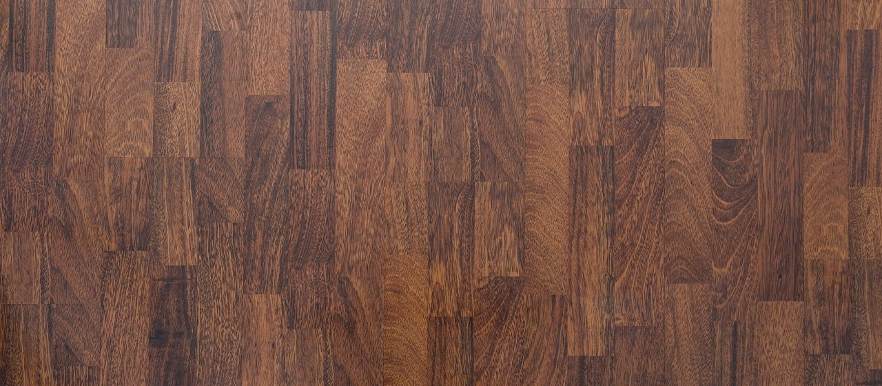 2021 Laminate Vs Hardwood Flooring, Does New Laminate Flooring Smell