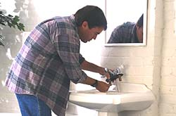 http://www.servicemagic.com/rfs/resources/images/srtile/newArticle/plumbing_33.jpg